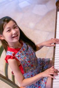【質問】ピアノは何歳から始めたらよい?